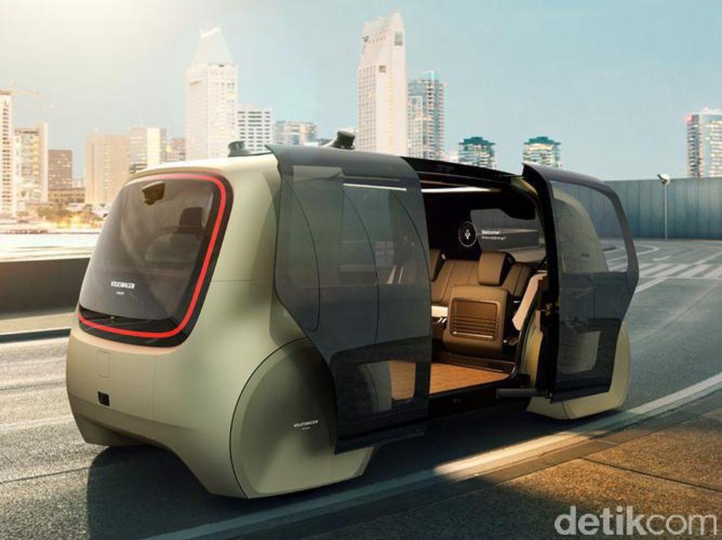 Kecenya Mobil Tanpa Sopir di Dubai