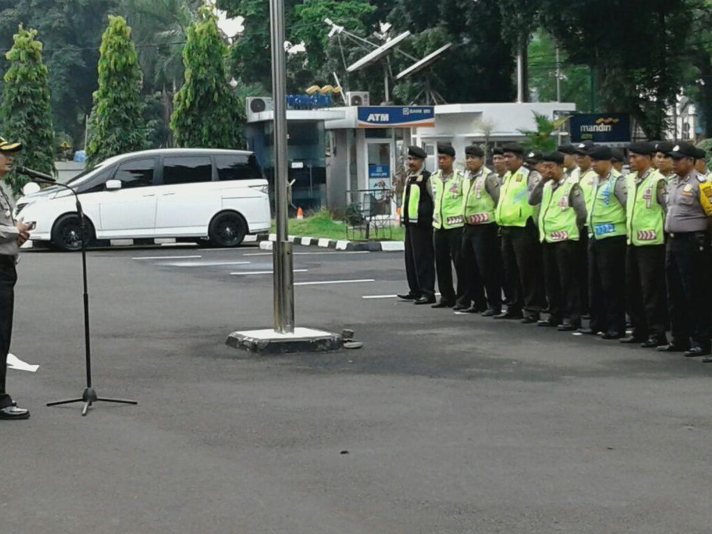 Ratusan Anggota Polisi Jaga Sidang Vonis Eks Pemimpin Gafatar
