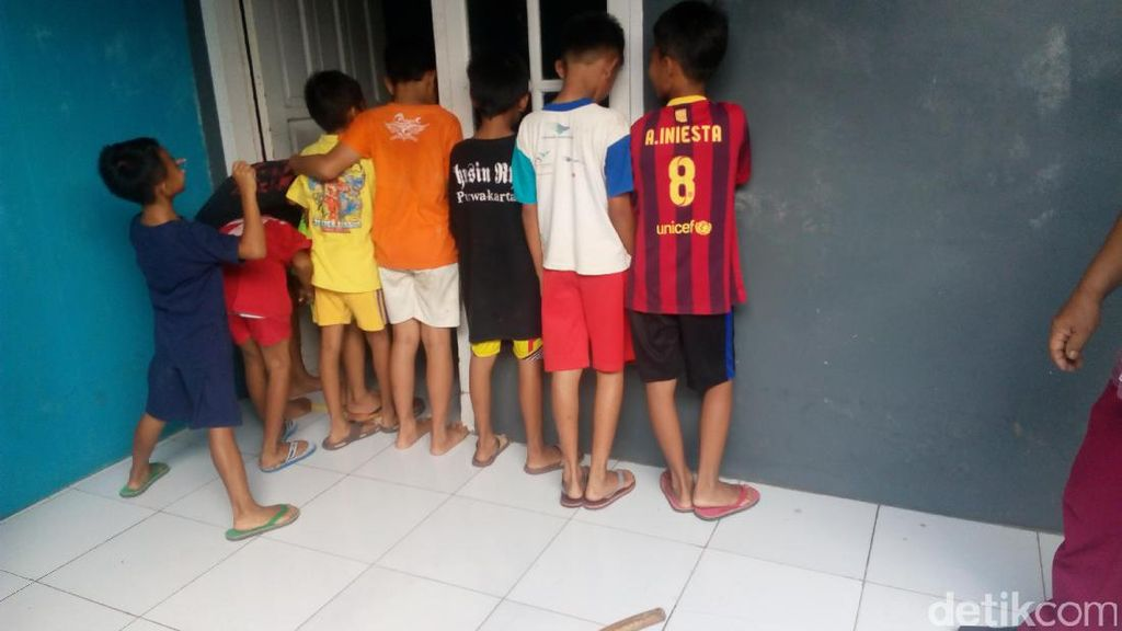 Pelatih Sepakbola Diduga Cabuli Puluhan Bocah Laki-laki di Karawang