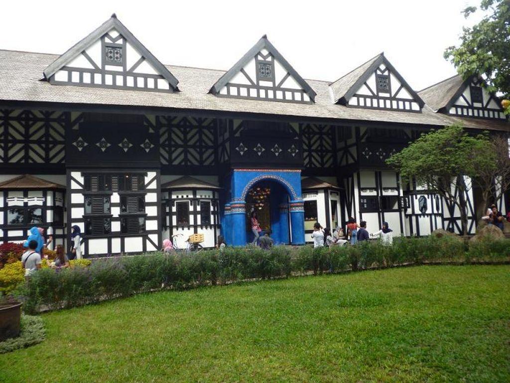 Getok Tarif Parkir di Farmhouse Lembang, Sengaja Ambil Untung saat Ramai Turis