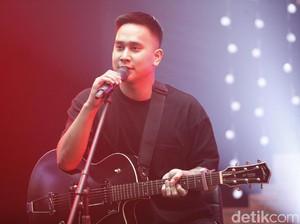 Ber-Syahdu Ria Bersama Ben Sihombing