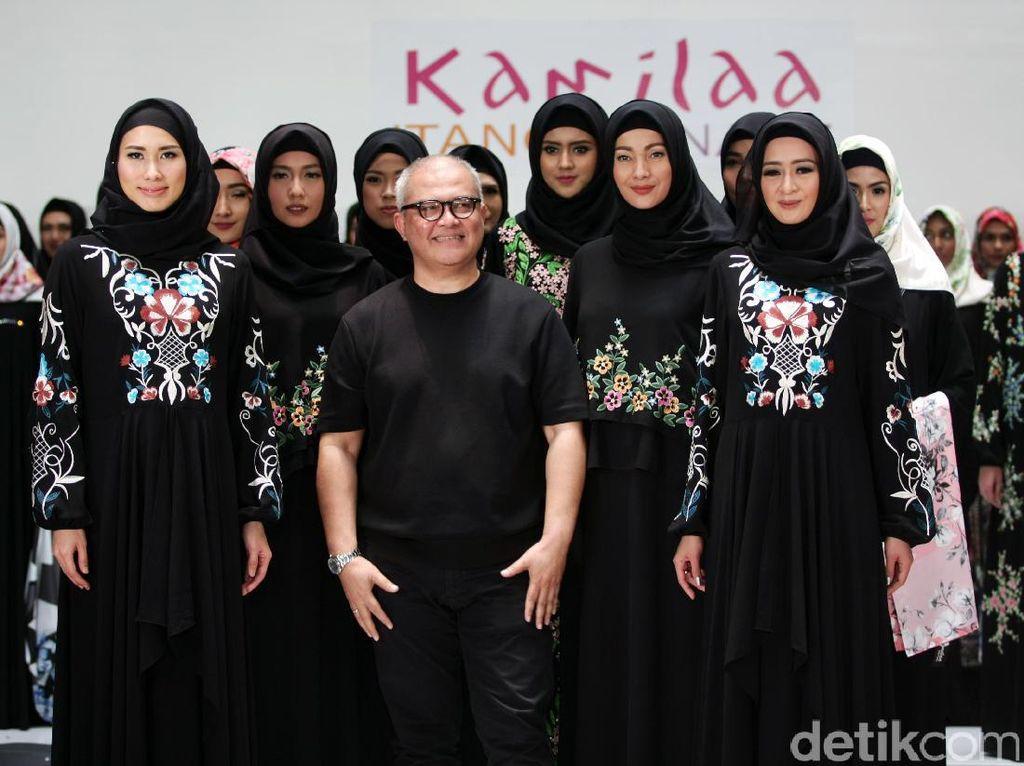 Itang Yunasz Rilis Busana Muslim Terbaru dengan Sentuhan Indonesia