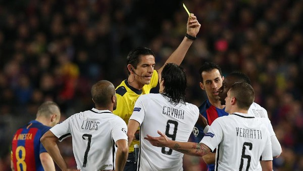 PSG Dikabarkan Ajukan Komplain terkait Kinerja Wasit di Laga Lawan Barca