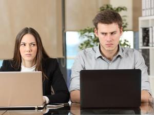 7 Sikap Menyebalkan yang Bisa Bikin Anda Dibenci Rekan-rekan Kerja