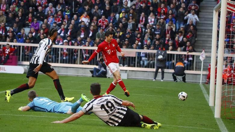 Hajar Frankfurt, Bayern Kian Jauh Tinggalkan Rival-Rivalnya