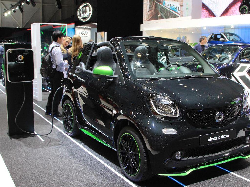 Sah! Daimler dan Geely Selamatkan smart
