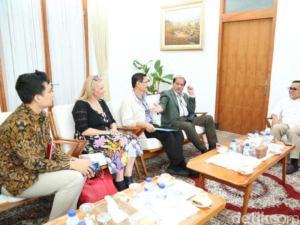 Mantan Bos Freeport ke Banyuwangi Bahas Pengembangan Bandara Blimbingsari