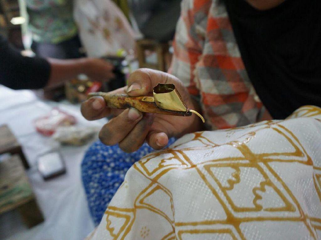 Netizen Ramai Ucapkan Selamat Hari Batik Nasional