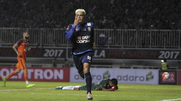 Cristian Gonzales memiliki nama Islam Mustafa Habibi.