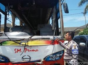 Bus Rusak Diamuk Massa karena Tabrak Ibu dan Balita di Cilegon