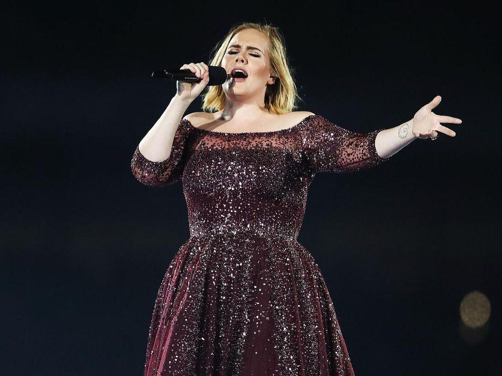 Adele Diincar Terlibat di Film Drama Musikal Oliver!