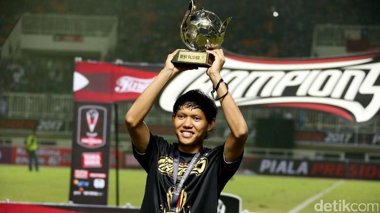 Adam Alis: Hadiah Pemain Terbaik Piala Presiden untuk Pergi Haji Orang Tua