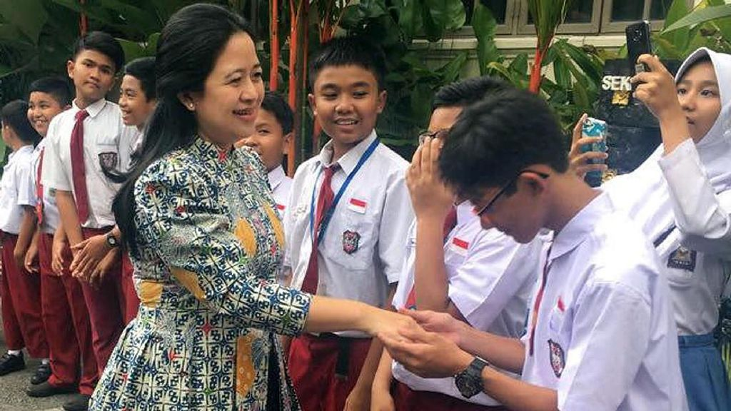 Puan Kunjungi Sekolah Indonesia Kuala Lumpur