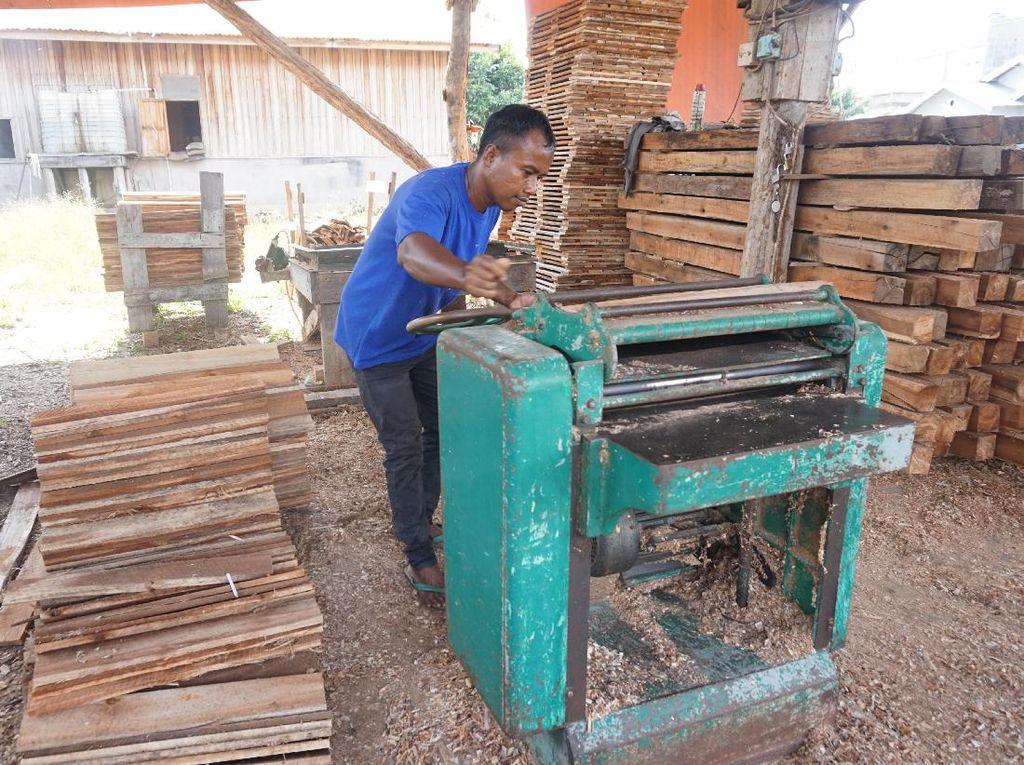 Kisah Pengusaha-pengusaha Lokal Pangkalan Kerinci Merintis Bisnis
