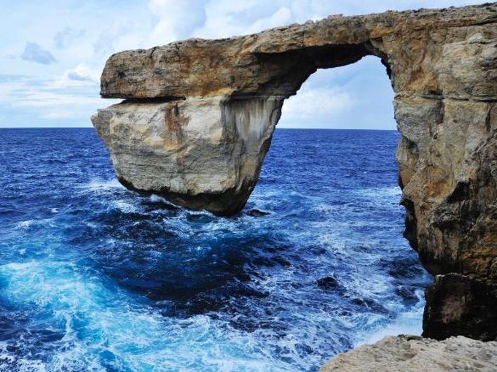 Duh, Landmark Ikonik Malta Tempat Syuting Game of Thrones Roboh