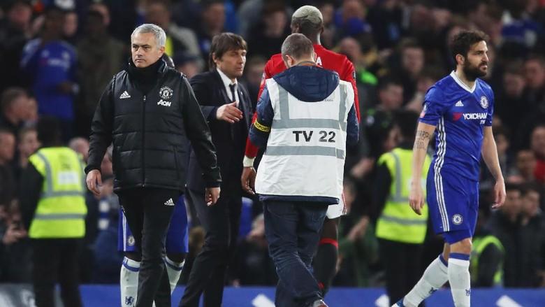 Alasan Mourinho Tak Salami Conte Usai Pertandingan