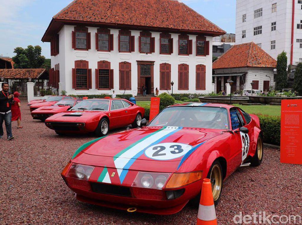 10 Mobil Klasik Ferrari Dipajang di Gedung Arsip Nasional