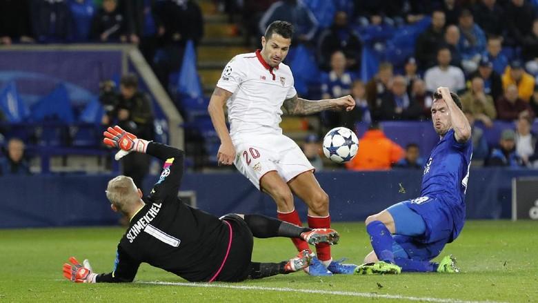 Schmeichel Nilai Leicester Sukses Redam Sevilla