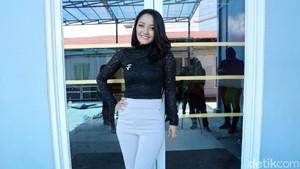 Romantis Bareng Adly Fairuz di FTV, Siti Badriah: Angbeen Rishi Nggak Cemburu