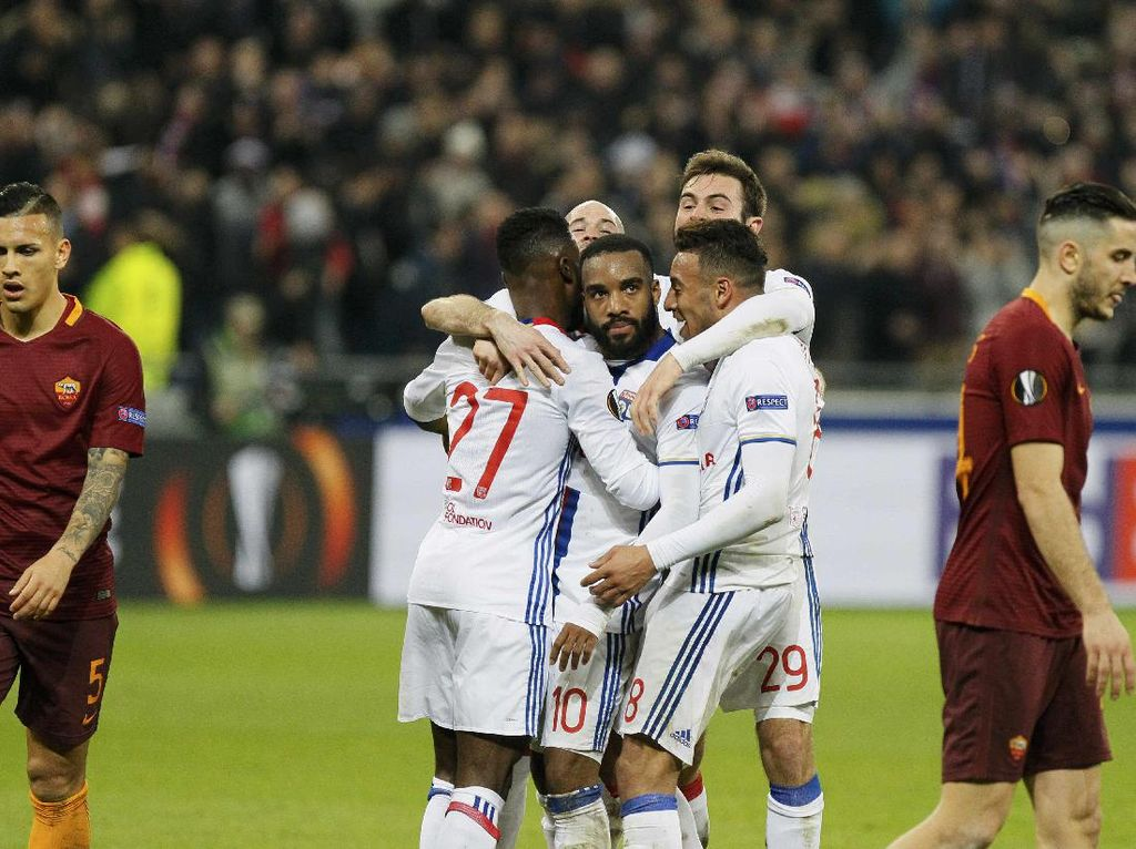 Lyon Tak Akan Tampil Defensif di Olimpico