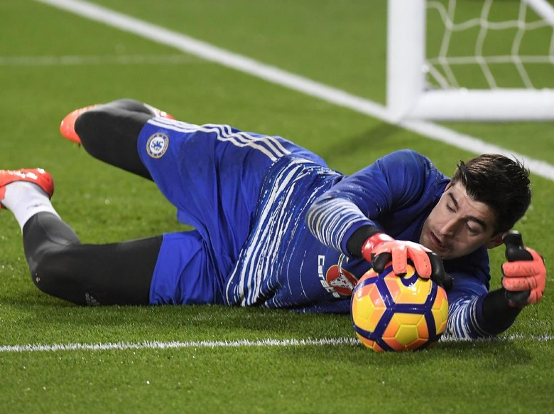 Ditaksir Madrid, Courtois Setia dengan Chelsea
