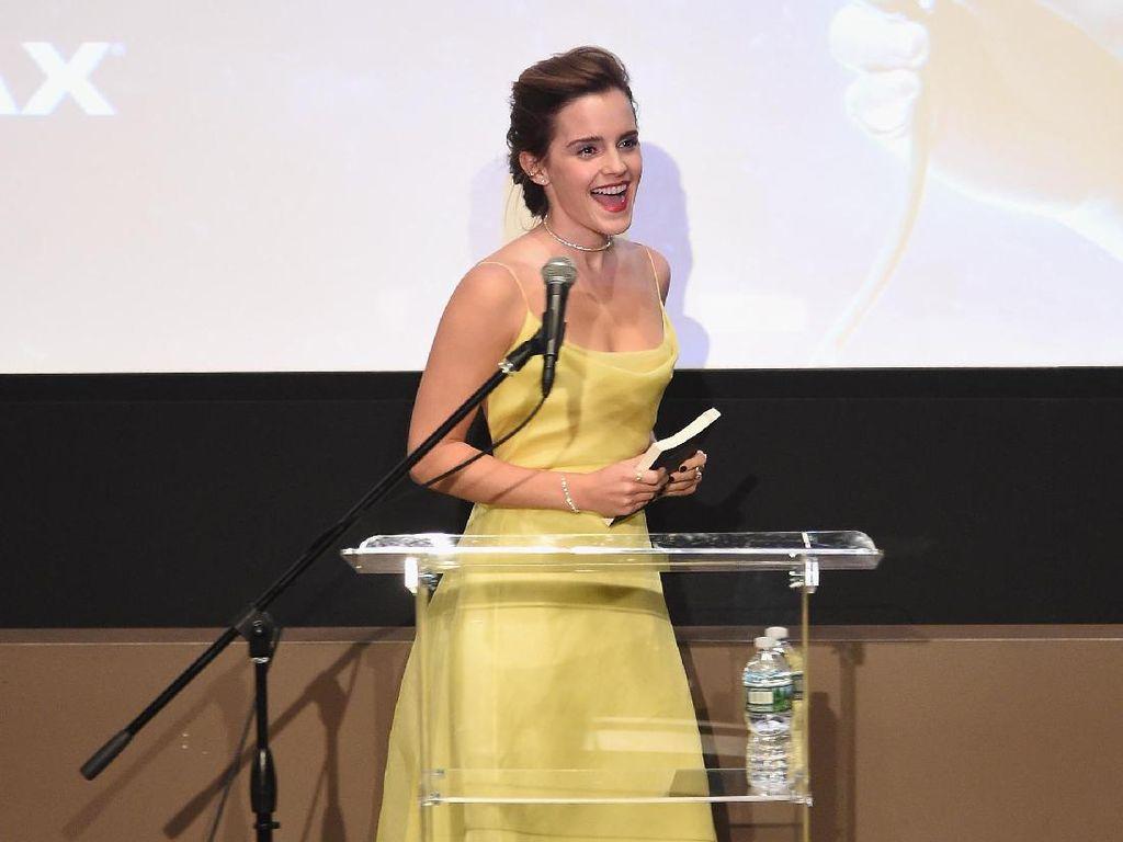 Pakai Gaun Kuning, Emma Watson Bak Puteri Belle yang Jadi Nyata