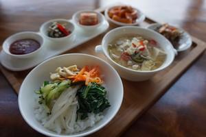 Dua Chef Korea Hadirkan Bulgogi hingga Bibimbap di <i>Food For The Seoul</i>