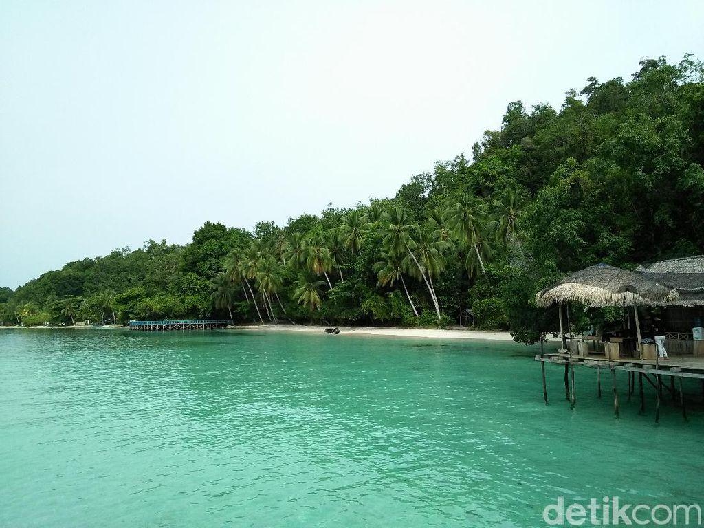 Foto-foto Pantai Sapokren di Raja Ampat yang Keren!