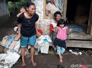 Keluarga di Kabupaten Bandung Ini Tinggal di Rumah Bilik Sisa Kebakaran