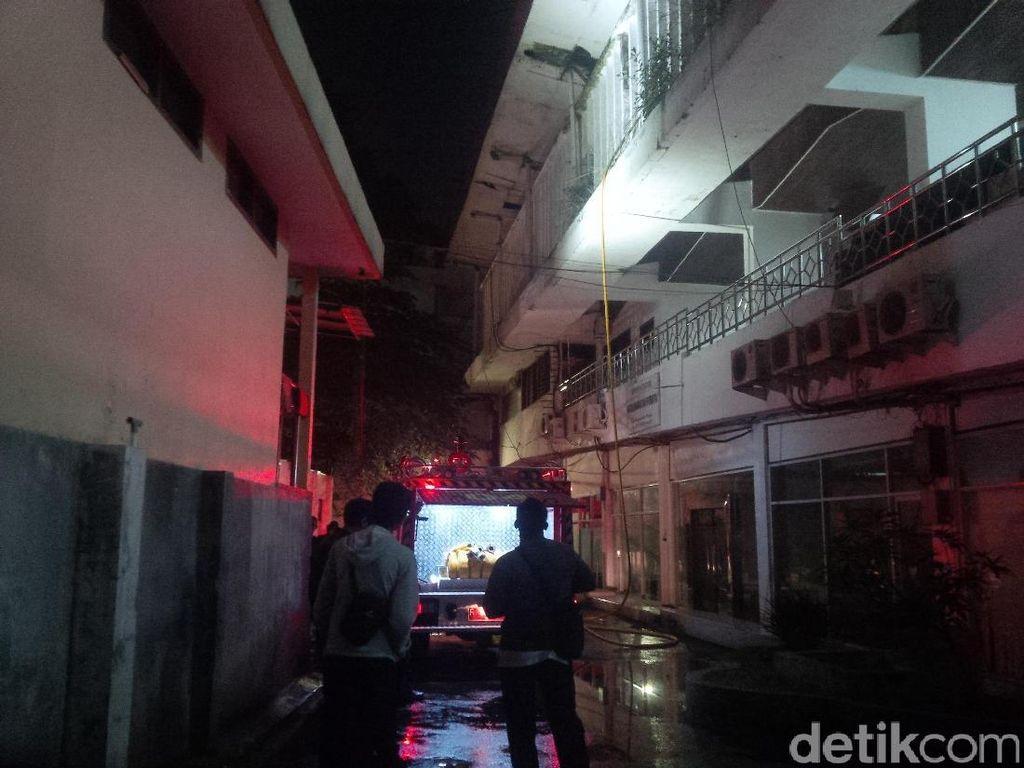 Ruang di Gedung Kemuning Bogor Terbakar, Siswa SMK Bantu Padamkan