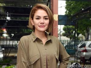 Banyak Cibiran karena <i>Single Mom</i>, Nikita Mirzani Cuek
