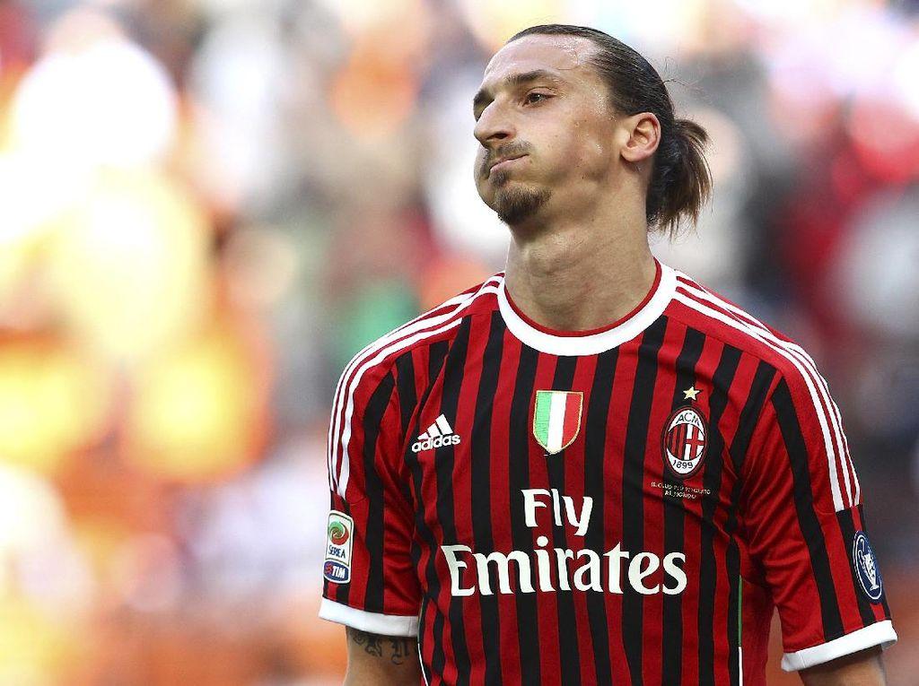 Ibrahimovic Dapat Lencana Scudetto yang Disobek dari Jersey Inter