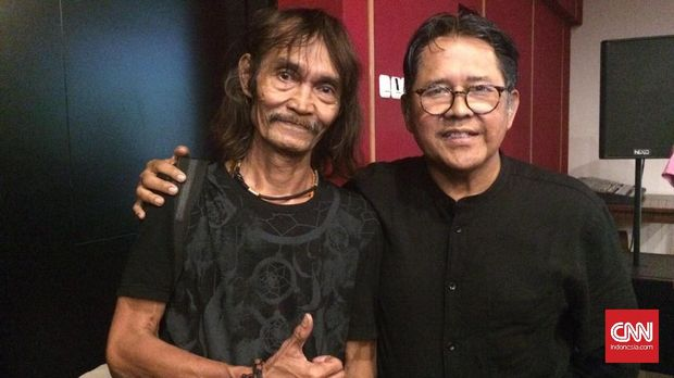 Dua personil Gang of Harry Roesli saat perilisan ulang album Philosophy Gang. (kiri) Harry Pochang, (kanan) Indra Rivai.