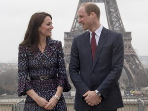 Mesranya Pangeran William dan Kate Middleton di Paris