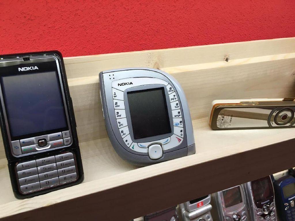 Netizen Ramai Bernostalgia dengan HP Nokia Jadul, Kamu Pakai Juga?