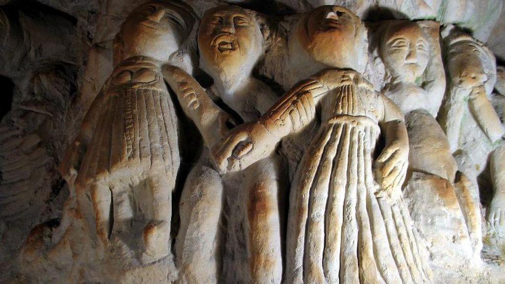Patung-patung dalam Gua di Prancis Ini, Unik Atau Seram Ya?