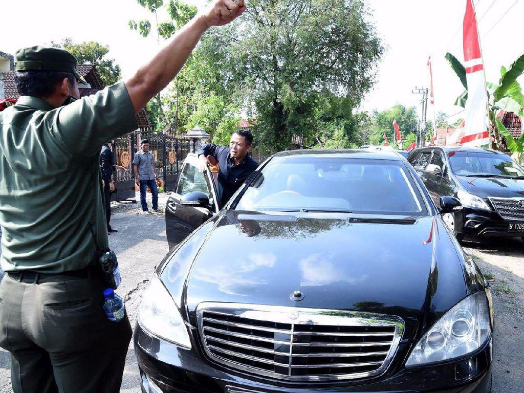 Jokowi yang Tak Heran Mobilnya Mogok di Tengah Jalan