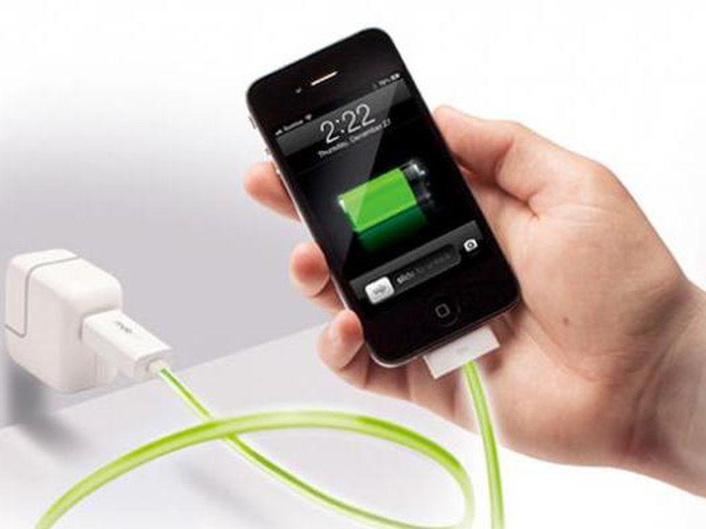 Charging dengan Kabel Mouse, Bikin Ponsel Rusak?