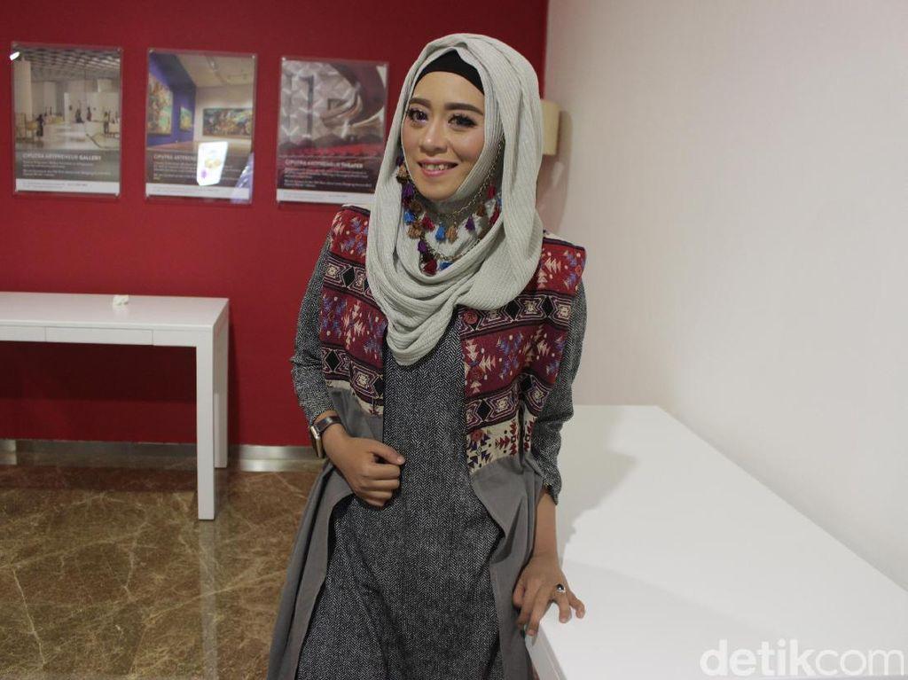 Ini Vindy, Vlogger yang Populer karena Pakai Makeup Mirip Jokowi Sampai Valak