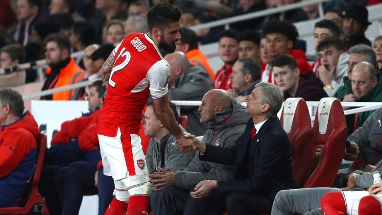 Giroud Ingin Wenger Tetap di Arsenal