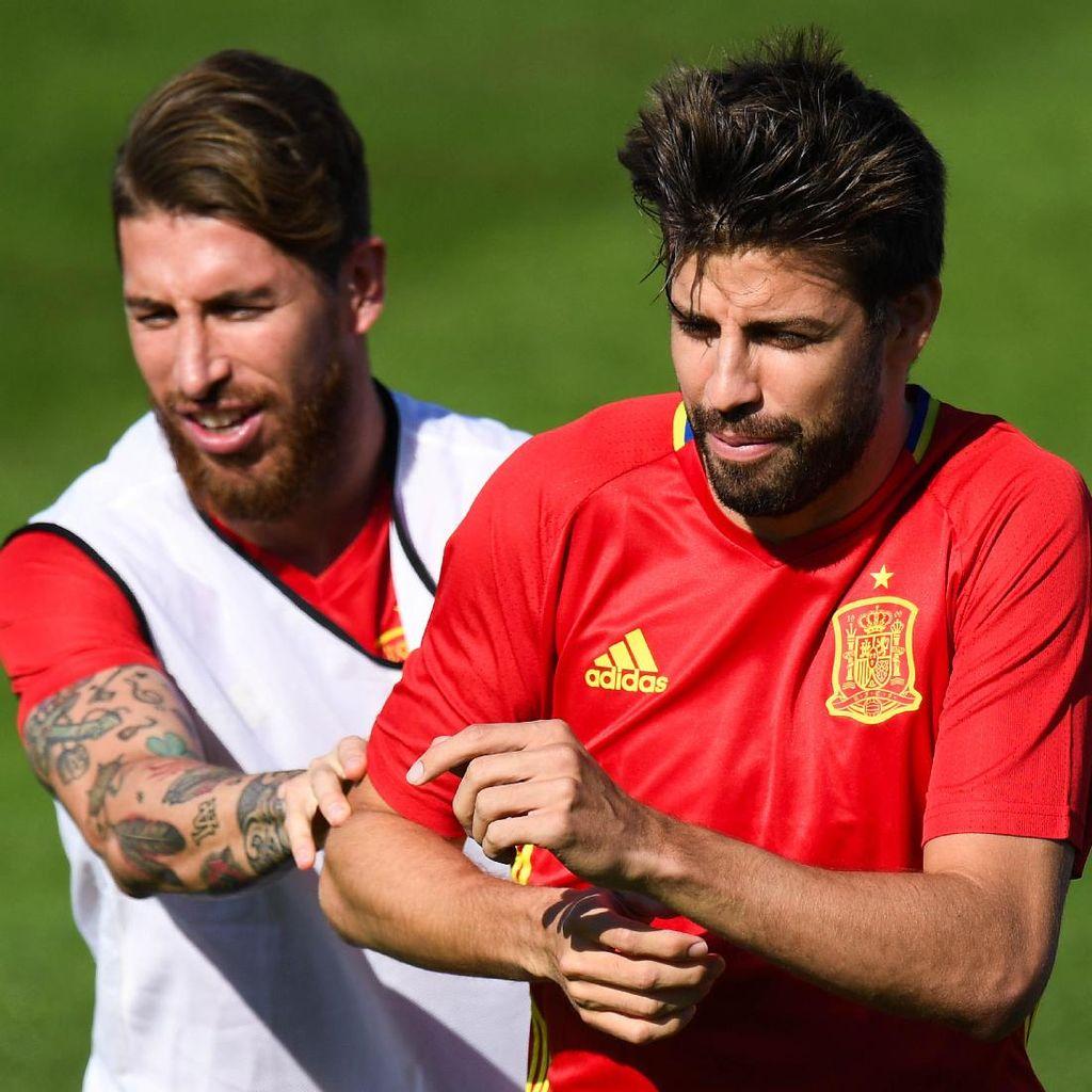 Sebut Tak Ada Pemusuhan dengan Pique, Ramos: Saya Akan Memeluknya