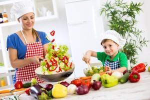 Ini Pendapat 3 <i>Chef</i> Indonesia Soal Manfaat Memasak Bersama Anak