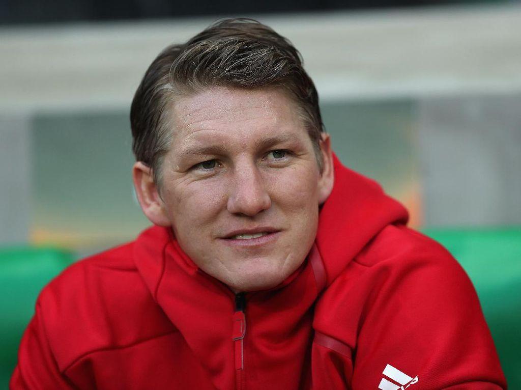 Bastian Schweinsteiger Umumkan Pensiun