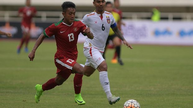Febri Hariyadi mencetak gol spektakuler untuk menggandakan keunggulan Timnas Indonesia U-22.