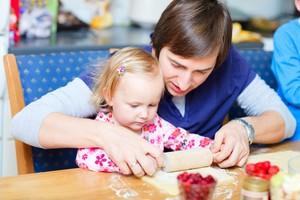 Sejak Usia Batita, Anak Sudah Bisa Diajak Memasak Bersama