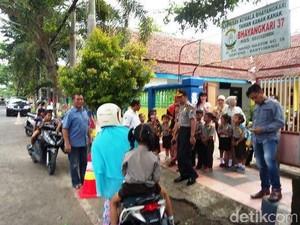 Waspada Isu Penculikan Anak, Polres Banyuwangi Jaga TK dan SD
