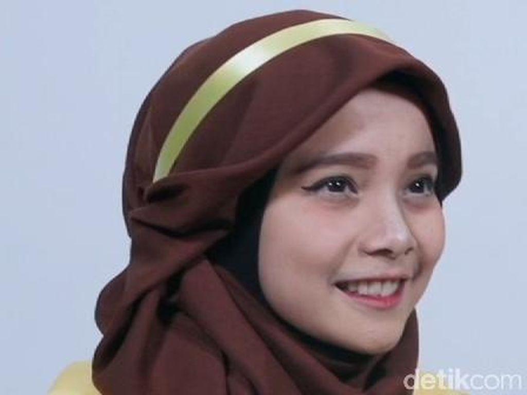 Tutorial Hijab Terinspirasi Princess Belle di Film Beauty and The Beast