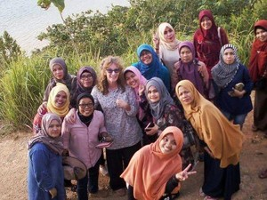 Cerita Relawan Australia di Indonesia Ailee Ashton