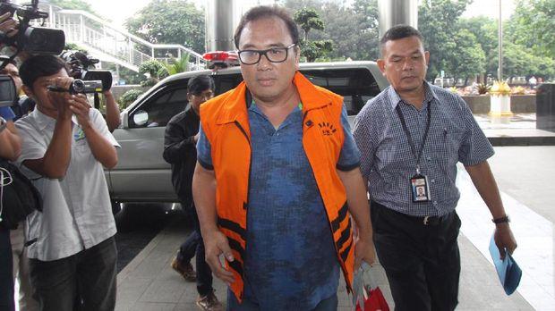 Tersangka pemberi suap kepada Hakim MK, Basuki Hariman, di gedung Merah Putih, KPK, Jakarta, Kamis (23/3).