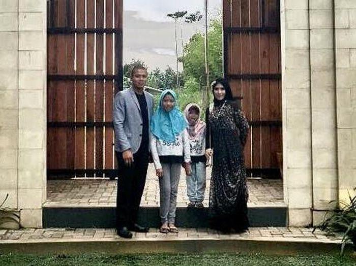 Striker Persib Bandung, Tantan dan keluarga